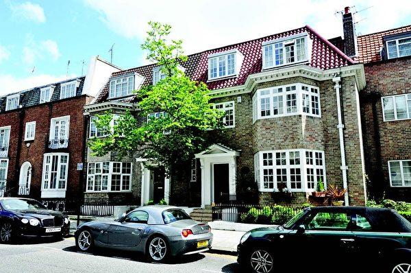 梅菲尔海德公园大街(Hyde Park Street)£9,750,000 七卧室洋房,4,467平方英尺,拥六间起居室,享海德公园美景,20世纪30年代原建,房间宽敞。02070791523