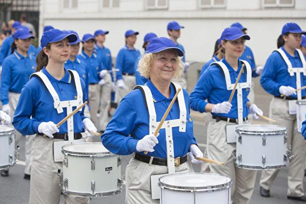 2014年法蘭克福文化節上的歐洲天國樂團。(Matthias Kehrein/大紀元)