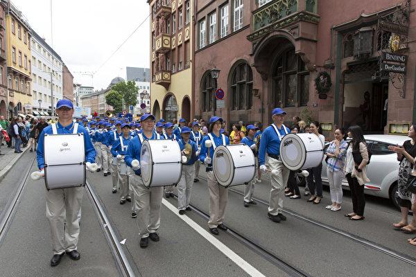 法蘭克福文化節上的歐洲天國樂團(Matthias Kehrein/大紀元)