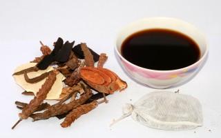 中药是很好的适应原,不论是做为饮茶、药剂、胶囊或是煎煮成药汁,长期服用有助于身体恢复正常化。(Fotolia)