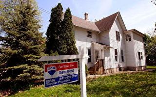 近年美国房价普遍回升,不少屋主打算出售牟利。但屋主想要卖个好价钱,可能还需要花点巧思。 (Scott Olson/Getty Images)