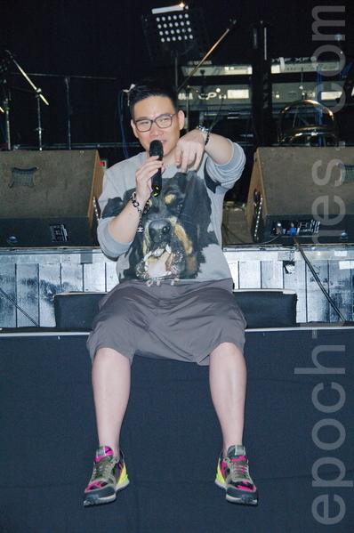 苏永康于2014年6月11日在台北举行演唱会彩排。(黄宗茂/大纪元)