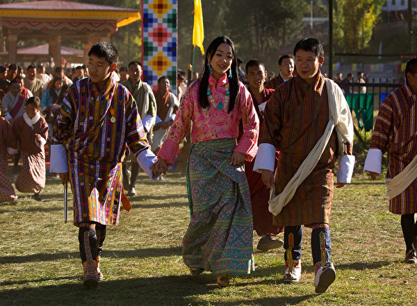 不丹王國二公主索南•德琛•旺楚克(中,Paula Bronstein/Getty Images)