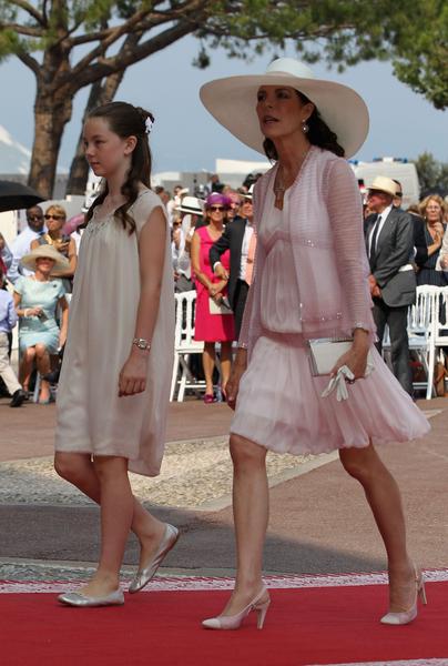 摩納哥公主卡羅琳與女兒——14歲的小公主亞歷山德拉。(Sean Gallup/Getty Images)