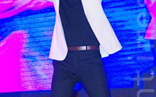 韩团神话主唱申慧星于7月5日在台北参加韩国观光局活动,并为自已演唱会宣传及为粉丝签名会。(黄宗茂/大纪元)