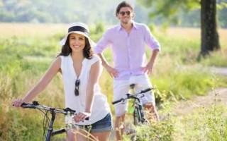 快走、慢跑、騎自行車、游泳等運動都是不錯選擇。(fotolia)
