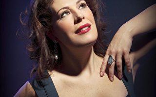 本次室内乐节邀请到了世界顶级女高音歌唱家拉得瓦诺夫斯卡(Sondra Radvanovska),她几乎在全球每个主要的歌剧院都演唱过,是世界公认的同时代最杰出的威尔第歌剧女高音之一。7月29日,歌剧爱好者们将有机会现场聆听她的演唱。时间:晚7~9点;地点:Dominion-Chalmers United Church。(音乐节提供)
