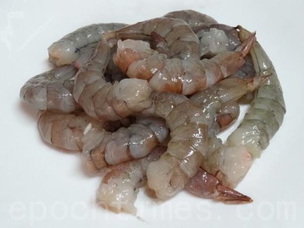 各國蝦餅的主要食材都是低脂高蛋白的蝦子。(攝影:彩霞/大紀元)