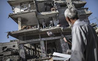 联合国安理会召开紧急会议,呼吁加萨地区停火。多日战火,致使加萨地区处处断垣残壁。(MARCO LONGARI/AFP)