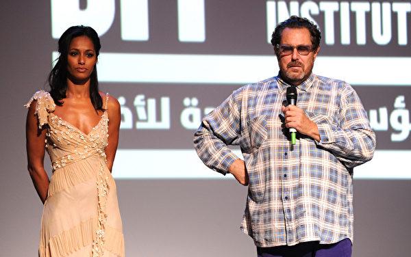 朱利安‧施纳贝尔(右)与鲁拉。(Andrew H. Walker/Getty Images)