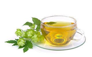 研究发现,绿茶中的活性成分能改变癌细胞新陈代谢的机制。(Fotolia)