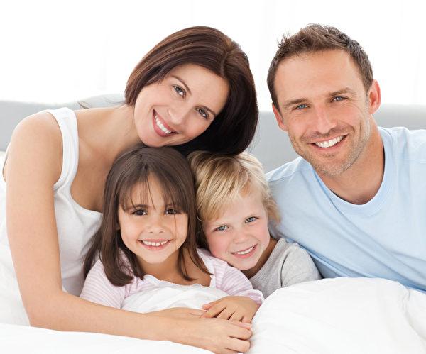 中年男性,除了工作也要多爱自己一些,营造身、心、灵健康的良好状态。(fotolia)