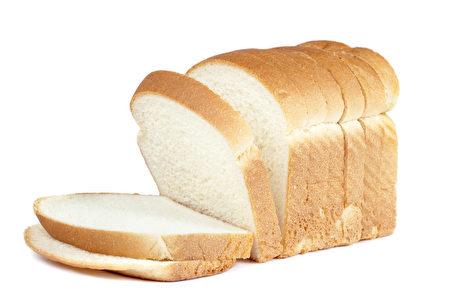 白面包容易增加炎症,不利皮肤健康。(fotolia)