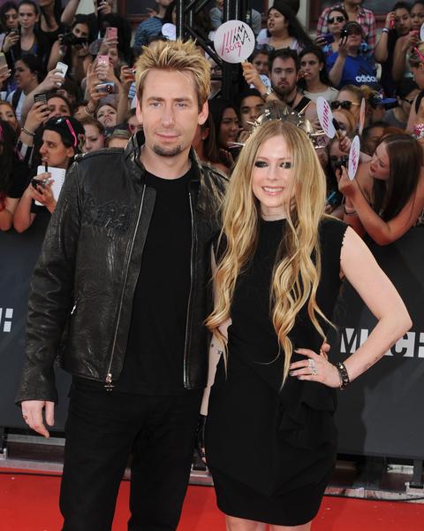 6月1日,加拿大女歌手艾薇儿(Avril Lavigne)与Nickelback的主音查德·克罗格(Chad Kroeger)在法国结婚。(Jag Gundu/Getty Images)