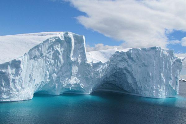 冰雪覆盖的南极大陆充满了神秘色彩。(SARAH DAWALIBI/AFP)