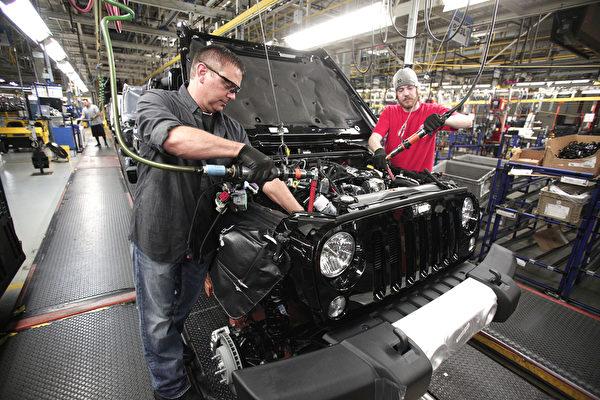 美國供應管理協會(ISM)發佈最新5月PMI數據為55.4,顯示美國製造業持續復甦。更多跡象表明,美國製造業正在逐步回流本土。(Bill Pugliano/Getty Images)