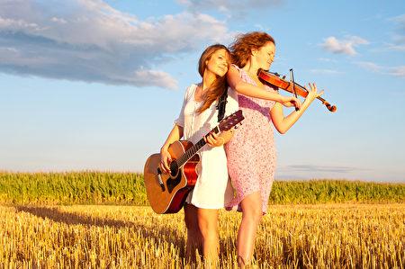 早在中國古代,音樂就被用作為治療身體病痛和精神疾患的一種常用方法,而中國的「藥」字就來源於「樂」,古典音樂療法或者可以更有效對抗抑鬱和焦慮。(fotolia)