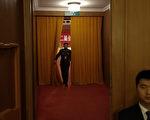 周永康案被公開後,中共高層中習、江兩派圍繞周的罪名展開了又一輪明爭暗鬥。(Lintao Zhang/Getty Images)