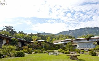 坐擁千坪庭院、直眺瀨戶內海美景的室外設計。(大紀元資料)