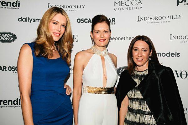 左起前模特兒摩斯(Tara Moss)、因杜盧皮利購物中心經理梅納特(Leah Mienert)以及《Vogue》時尚主編麥肯(Edwina McCann)。(Indooroopilly Shopping Centre 提供)