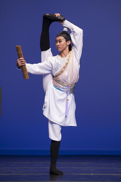 2009年第三届新唐人全世界中国古典舞大赛少年男子组金奖薛心坛(戴兵/大纪元)