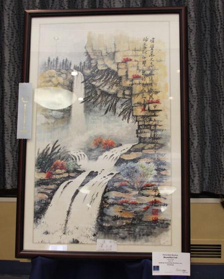 華裔老人的畫作。(王依瀾/大紀元)
