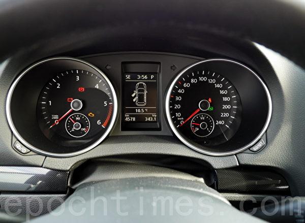 2014 Volkswagen Golf TDI Wagon。(摄影;夏又容/大纪元)
