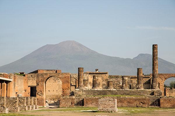 仅仅十几个小时,奢华的庞贝城和赫库兰尼姆城就从人类的眼中消失了,直到18世纪才被偶然发现。(fotolia)
