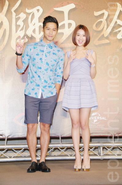 蔡旻佑、晖倪于8月26日在台北出席《铁狮玉玲珑2》开拍记者会。(黄宗茂/大纪元)
