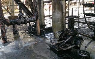 台塑六轻炼油厂26日传出疑似公共管线漏油起火,火势 已扑灭,无人员伤亡,起火点管线烧焦(图),起火原 因调查中。(云林消防局提供)