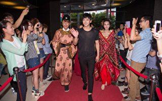 池昌旭來台唯一的大型專訪獻給MTV《我愛偶像》,錄影前百位粉絲歡迎,讓池昌旭超開心。(MTV提供)
