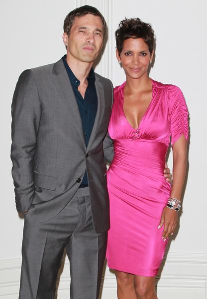奥斯卡影后哈莉·贝瑞(Halle Berry)与老公——法国演员奥利维尔·马丁内兹(Olivier Martinez)。(David Livingston/Getty Images)