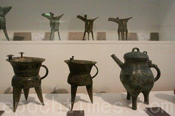 中国古代的各种青铜鼎。(吴沃/大纪元)