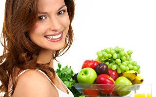 多吃含維C的水果,對皮膚收劍,還有面斑都有好處的。(Fotolia)