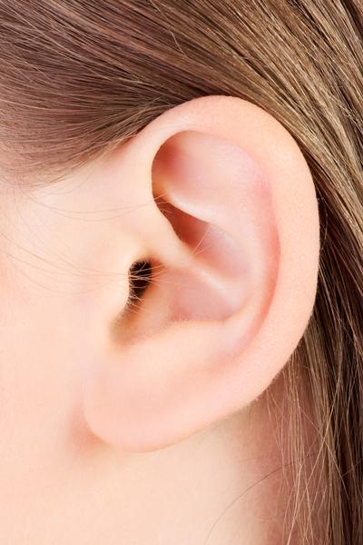 中醫講究「相不獨斷」,從耳朵看壽命除了看耳朵長短外,還有其他特徵。(fotolia)