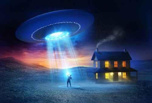 加拿大前国防部长保罗‧赫勒(Paul Hellyer)谈及外星人的一段视频录像透露,外星人和UFO是真实存在的,外星人不断造访地球。(fotolia)