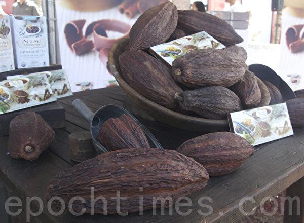 硕大的可可豆是美味巧克力的原料。(扬帆/大纪元)