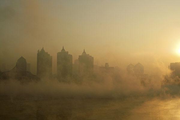 媒體最近傳出中鋼集團百億銀行貸款逾期的消息,引發外界對中國銀行業信貸風險的關注。( CHINA OUT/AFP PHOTO)