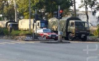 市民报料:传中共驻港部队车辆出动