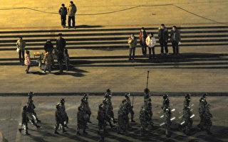 """10月10日,据陆媒报导,中共决定将""""中央社会管理综合治理委员会""""恢复为""""中央社会治安综合治理委员会"""",这意味着综治委权力收缩,也意味着中共政法委书记、综治委主任孟建柱的职务范围出现变动,实质是被削权。(AFP PHOTO)"""