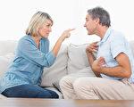 一项新的研究发现,和少争执的夫妻相比,饭后和配偶起激烈争论者,容易变胖。(Fotolia)