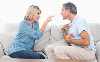 一項新的研究發現,和少爭執的夫妻相比,飯後和配偶起激烈爭論者,容易變胖。(Fotolia)