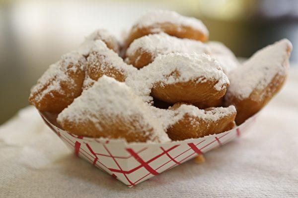 酥软可口的法式小甜点。(Beignets)(李莎/大纪元)