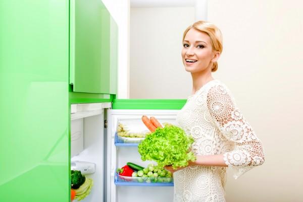 冰箱門開太久會降低溫度,無法保持食物新鮮度。(fotolia)