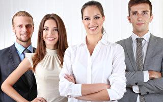 在职场上掌握给他人良好第一印象的先机,除了能建立与同事间的融洽关系外,甚至可能影响业务的成败。(fotolia)