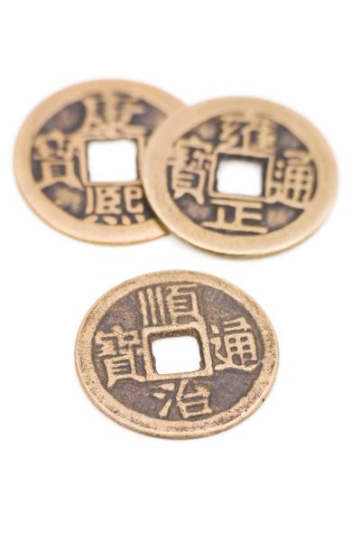 由于硬币多为稀有金属铸造,加上数量日益减少,成为抢手、稳健的投资标的。(Fotolia)