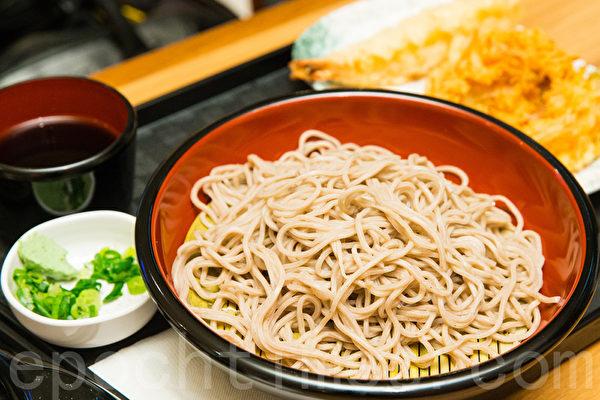 蕎麥是很好的大腸清道夫,纖維含量是一般白米的6倍。(陳柏州/大紀元)