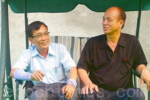 知本城主人姚财源(右)携手台艺玻企业杨明和,打造了台湾最大艺术玻璃城。(赖友容/大纪元)