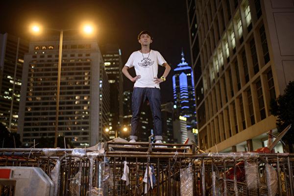 华尔街日报:香港抗争战线扩大到立法会
