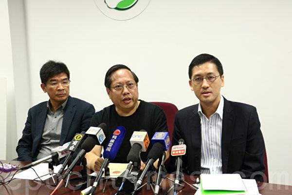 香港民主党要求廉政公署调查梁振英,不排除发起弹劾,要求梁振英下台。(蔡雯文/大纪元)